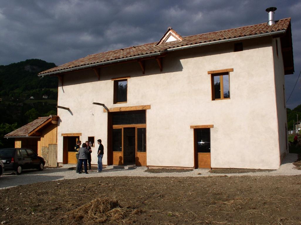 Sanierung eines Hauses mit Stampflehm
